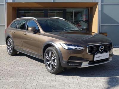 Operativní leasing - Volvo V90 Cross Country Pro