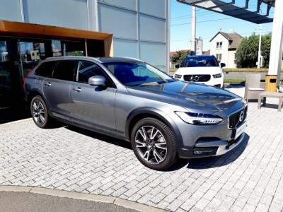 Operativní leasing - Volvo V90 Cross Country