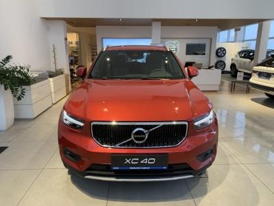 Operativní leasing - Volvo XC40 Momentum Pro MY21