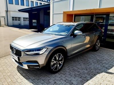 Operativní leasing - Volvo V90 Cross Country Pro MY18